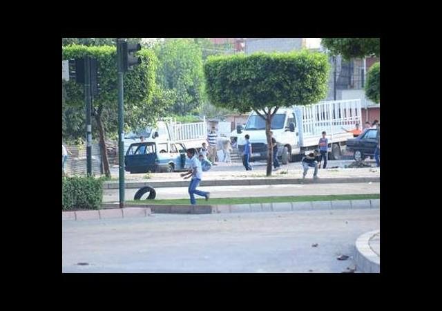Adana'daki gösteride 1 çocuk öldü