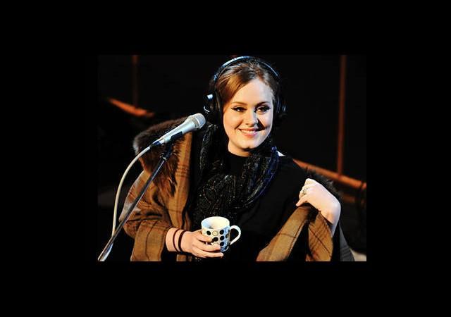 Adele Hala Evin Küçük Kızı!