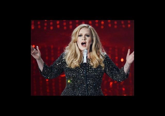 Adele Tek Gece İçin Servet Ödedi!