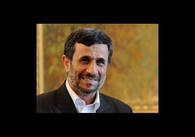 Mahmud Ahmedinejad Zeytin Dalı Uzattı