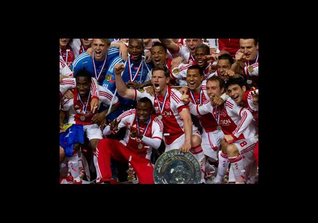 Ajax'ın Şampiyonluk Kutlamasına 50 Bin Kişi Katıldı