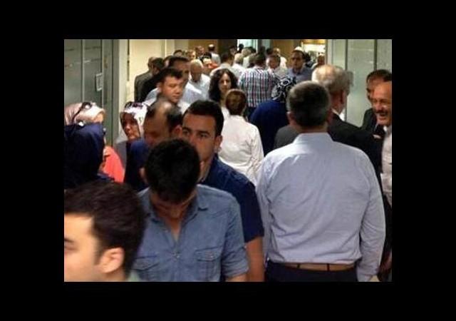 AK Parti'de 'kim olsun' izdihamı