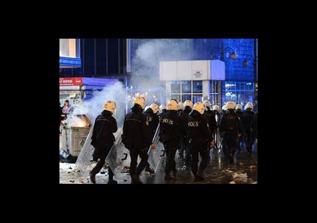 Ankara'da Polis Eylemcilere Müdahale Etti
