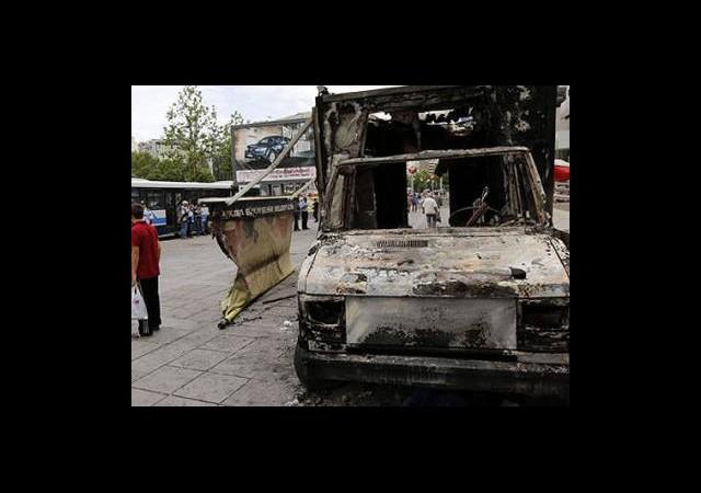 Ankara, İzmir ve Adana'da Olaylar Sürüyor