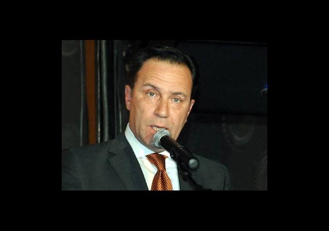 Adnan Öztürk Siyasete Giriyor!