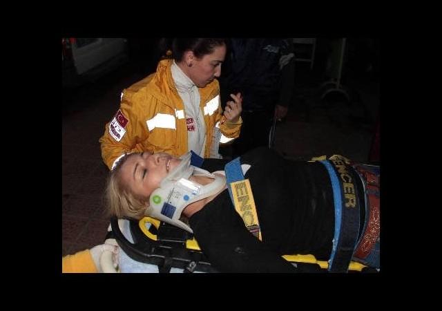 Asansör zemin kata çakıldı: 5 yaralı