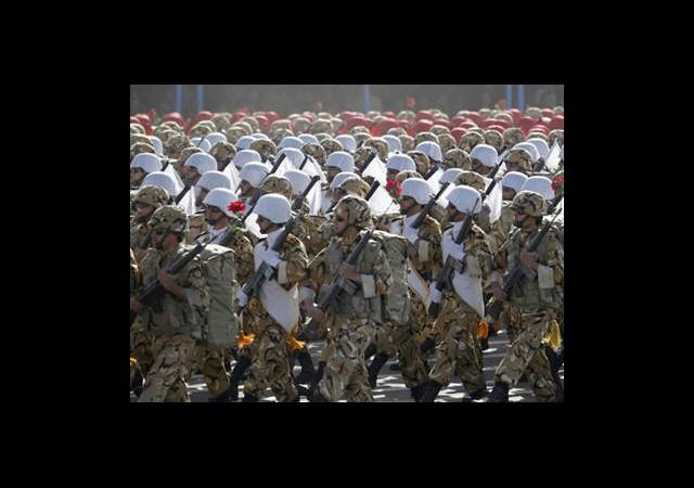 İran'dan Esad'a Asker Desteği