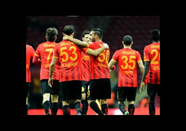 Galatasaray'ın Savunması Alarm Veriyor