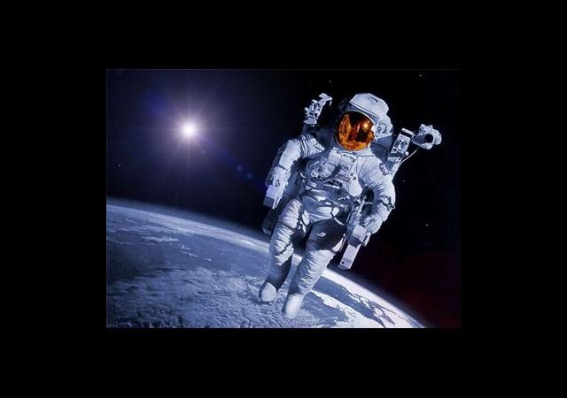 Astronotlarla İletişim Koptu