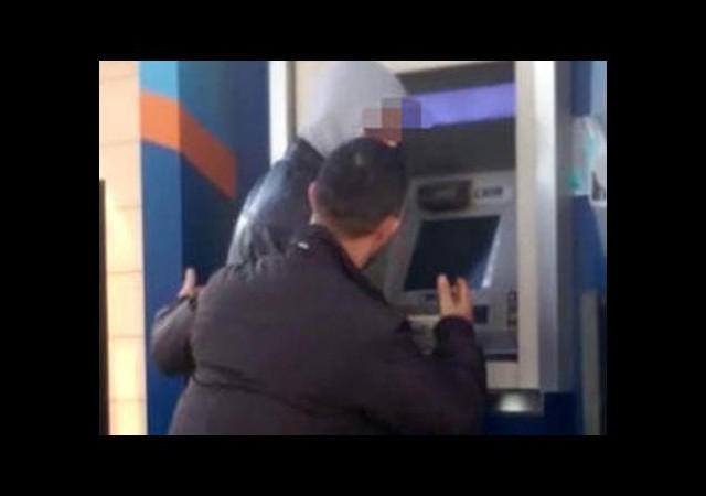 ATM faresinin vurgun çantası!