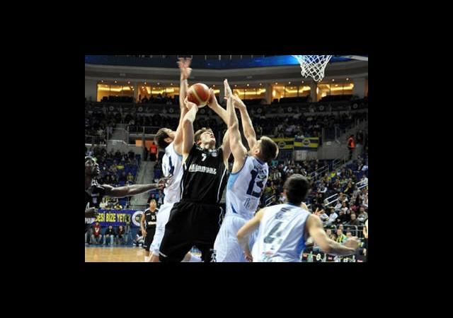Basketbolda Derbi Fırtınası Sürüyor