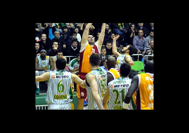 Galatasaray MP Edirne'de Güldü