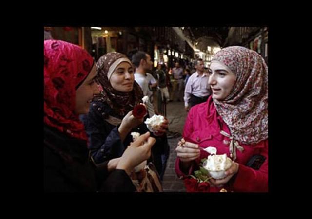 Şeyhler Suriyeli kızların peşinde!