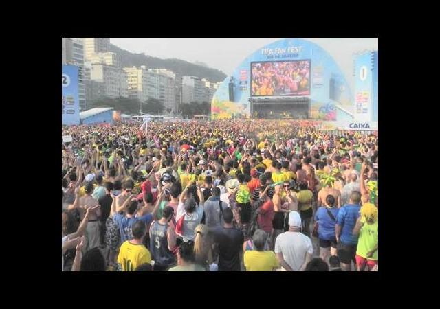 Rio'da şenlik Forteleza'da eylem var!