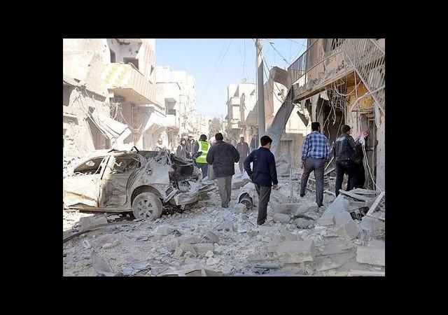 Esed 'varil bombasıyla' saldırdı