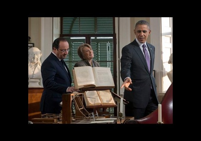 Obama ve Hollande malikane gezdi