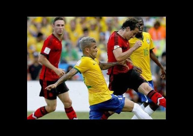 Dünya Kupası'nda bombalı saldırı şoku!
