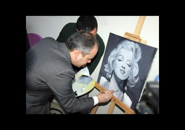 Bakan'dan Marilyn Monroe'ya fırça