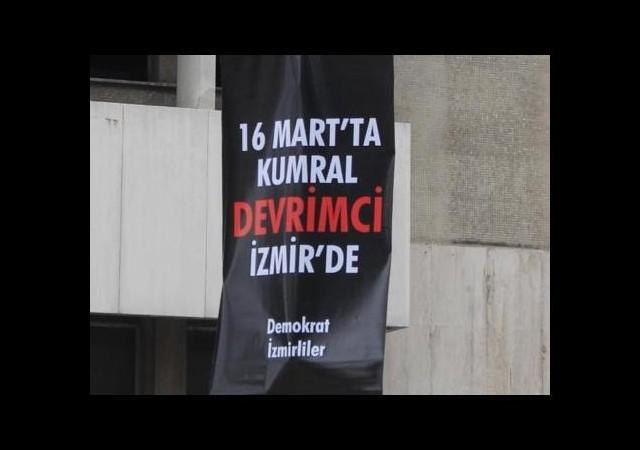 Başbakan'a İzmir'de ilginç slogan!