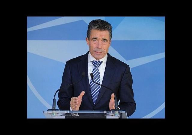 NATO'dan Afganistan'a İmza Uyarısı