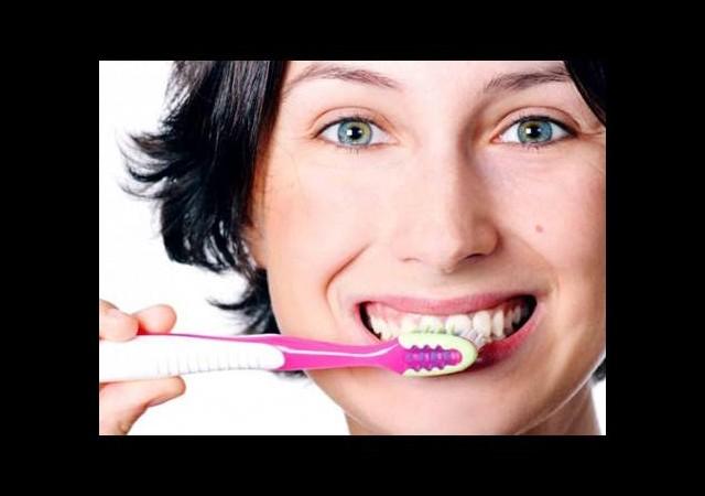Türkiye'nin yüzde 86'sı diş fırçalamıyor