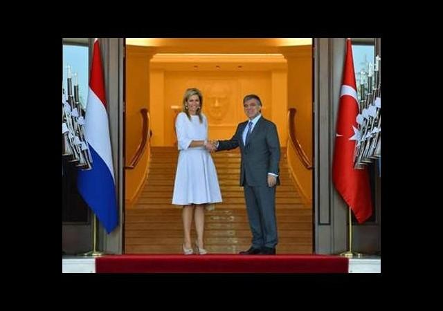 O Kraliçe Ankara'da ortaya çıktı