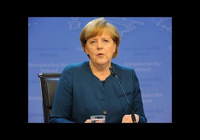 Merkel'den Ukrayna için çağrı