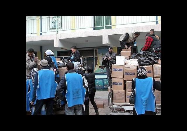 Yermuk'a 500 koli yardım dağıtıldı