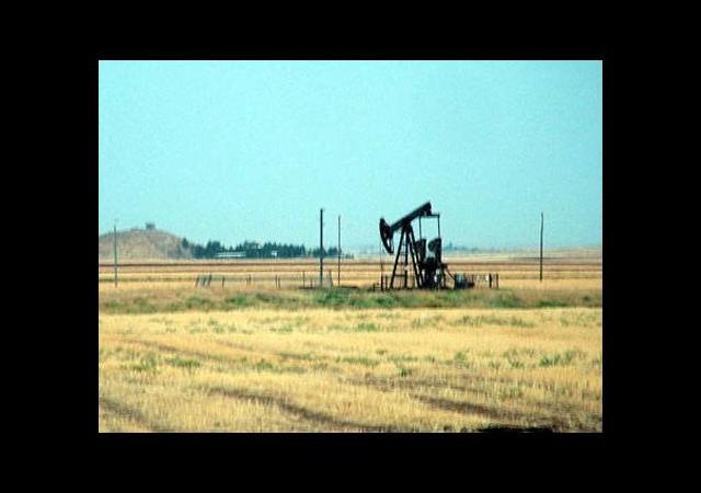 Arazilerinde petrol çıkınca hayatları zehir oldu