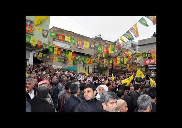 Geçmişte PKK'yla savaşan aşiret BDP'ye geçti