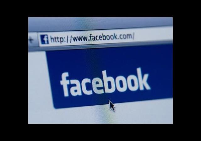 Facebook'a girdi diye taşlayarak öldürdüler