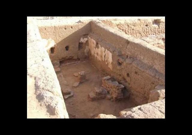 Çölde 1700 yaşında okul bulundu!