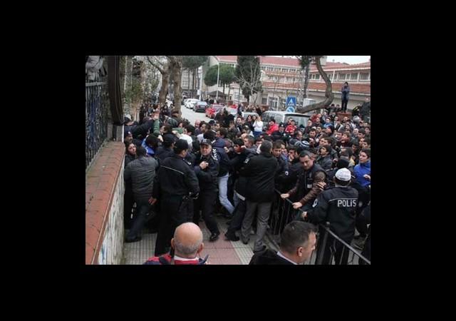 BDP Heyeti Taşlandı