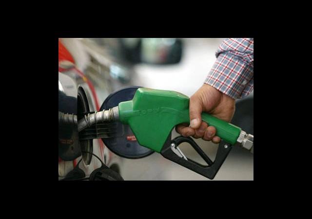 Benzine Bir Zam Daha Geldi