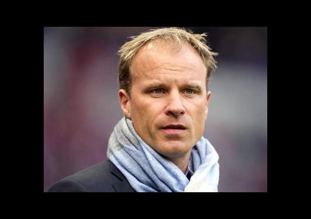 Bergkamp, Mesut Özil Hakkında Konuştu!