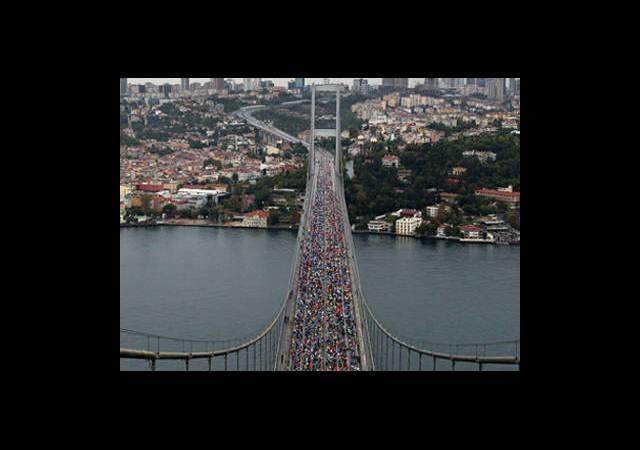 Boğaziçi Köprüsü Trafiğe Kapatıldı!