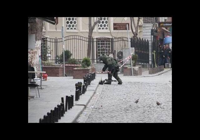 İstanbul'da iki poşet patlayıcı imha edildi