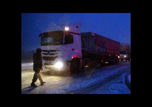Bursa - Ankara yolu ulaşıma kapandı
