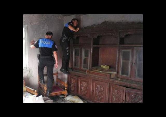 Bonzai kullanılan binalar yıkılıyor