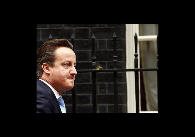 Cameron Beklenen Konuşmasını Yaptı!