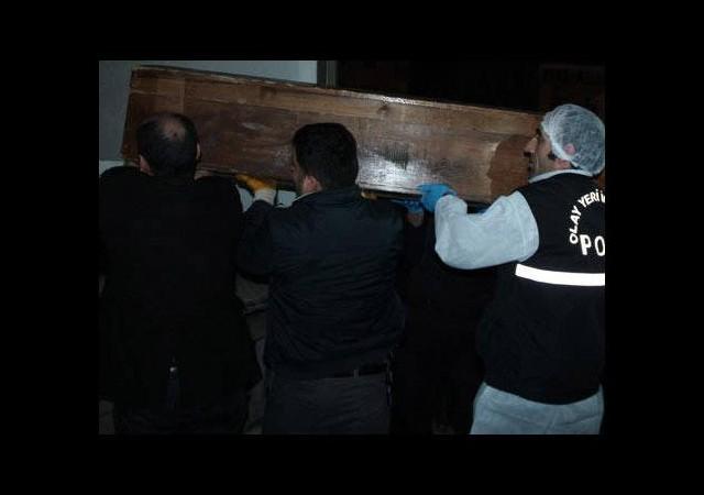Cami tuvaletinde uyuşturucu öldürdü