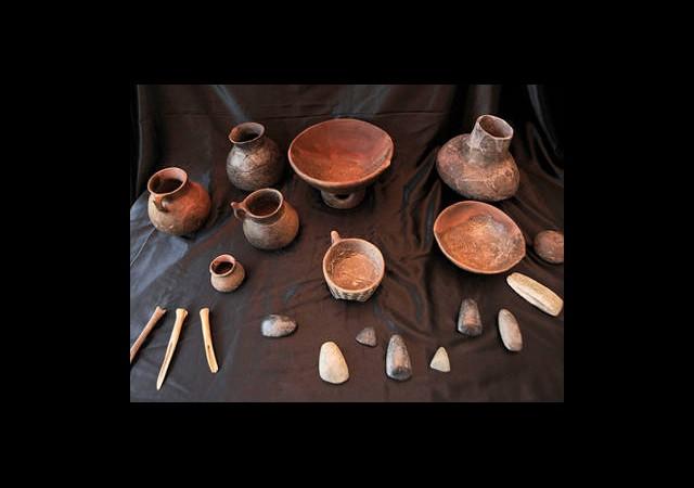 7 Bin Yıllık Seramik Çöplüğü Ortaya Çıktı