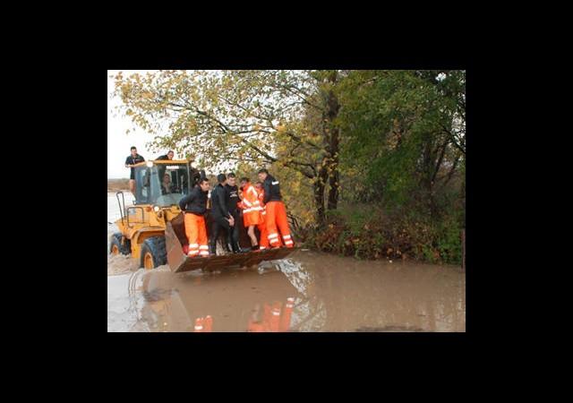 Çanakkale'de Su Baskını: 1 Kişi Kayıp