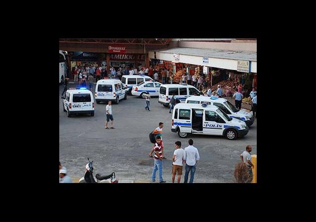 Sivil Polis Çay İçti Otogar Esnafı Birbirine Girdi