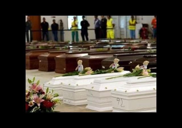 İtalya'da Ölen Kaçaklar İçin Resmi Cenaze Töreni