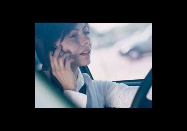 Cep Telefonuyla Konuşmak Kaza Riskini Arttırmıyor