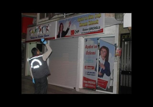 CHP seçim bürosuna saldırı!