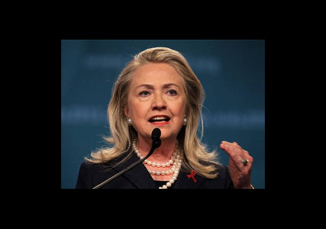 Clinton: Öfke Duyuyoruz