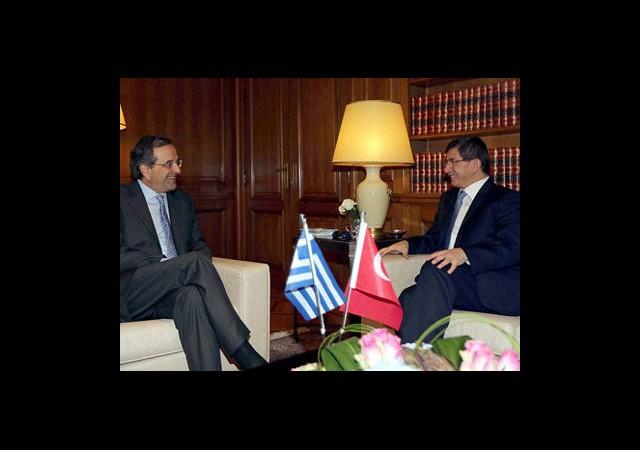 Davutoğlu, Samaras İle Görüştü