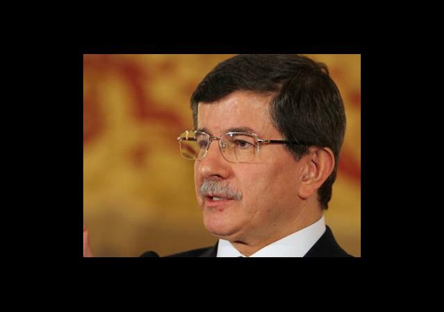Davutoğlu'ndan Mursi Açıklaması
